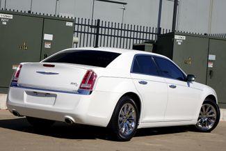 2011 Chrysler 300 300C * HEMI * Pano Roof * NAVI * Chromes * LOADED! Plano, Texas 4