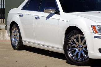 2011 Chrysler 300 300C * HEMI * Pano Roof * NAVI * Chromes * LOADED! Plano, Texas 22