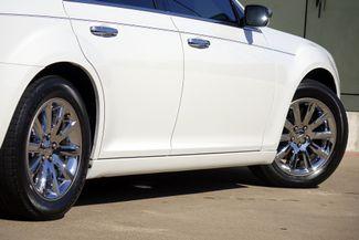 2011 Chrysler 300 300C * HEMI * Pano Roof * NAVI * Chromes * LOADED! Plano, Texas 24