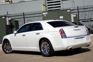 2011 Chrysler 300 300C * HEMI * Pano Roof * NAVI * Chromes * LOADED! Plano, Texas 5