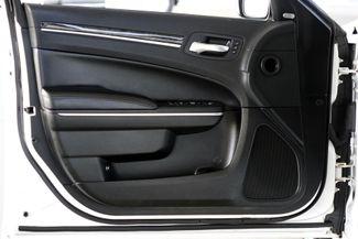 2011 Chrysler 300 300C * HEMI * Pano Roof * NAVI * Chromes * LOADED! Plano, Texas 38