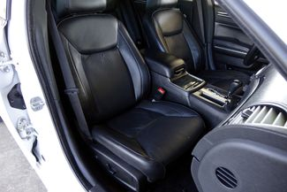 2011 Chrysler 300 300C * HEMI * Pano Roof * NAVI * Chromes * LOADED! Plano, Texas 12