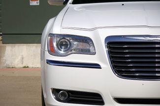 2011 Chrysler 300 300C * HEMI * Pano Roof * NAVI * Chromes * LOADED! Plano, Texas 32