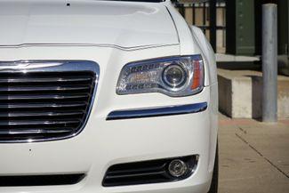 2011 Chrysler 300 300C * HEMI * Pano Roof * NAVI * Chromes * LOADED! Plano, Texas 33