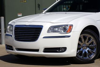 2011 Chrysler 300 300C * HEMI * Pano Roof * NAVI * Chromes * LOADED! Plano, Texas 21