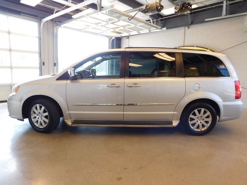 2011 Chrysler Town  Country Touring-L  city TN  Doug Justus Auto Center Inc  in Airport Motor Mile ( Metro Knoxville ), TN