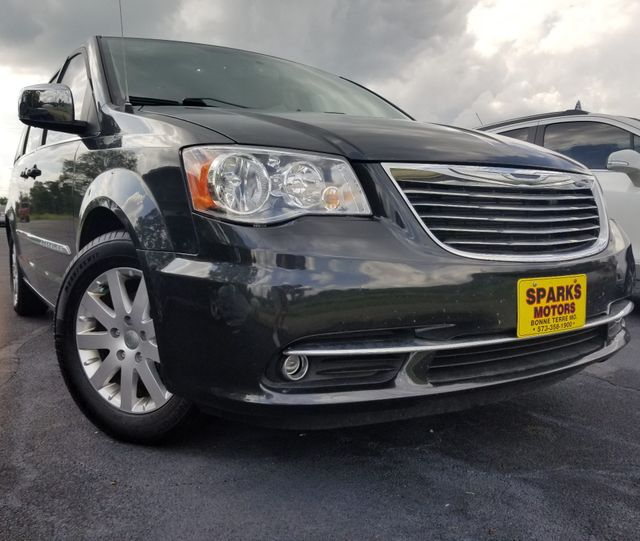 2011 Chrysler Town & Country Touring-L in Bonne Terre, MO 63628