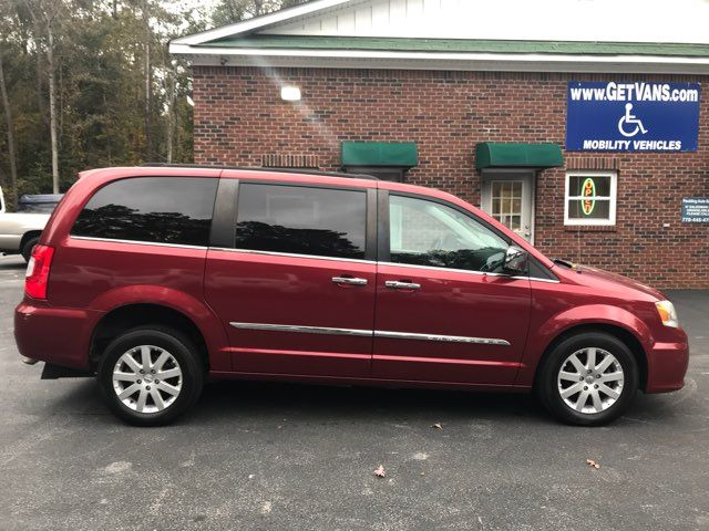 2011 Chrysler Town & Country Touring-L handicap wheelchair van accessible Dallas, Georgia 7