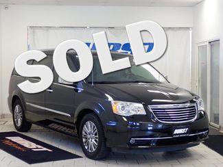 2011 Chrysler Town & Country Limited Lincoln, Nebraska