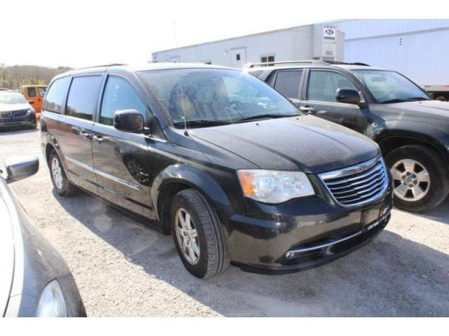 2011 Chrysler Town & Country Touring in St. Louis, MO 63043