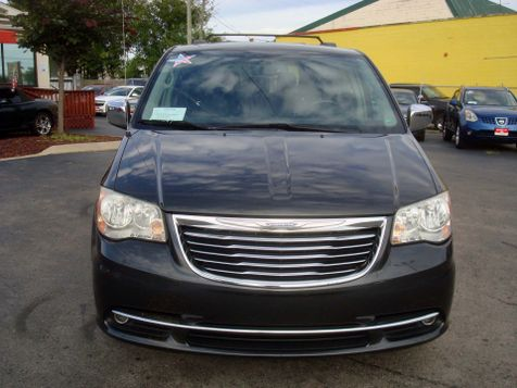 2011 Chrysler Town & Country Touring-L | Nashville, Tennessee | Auto Mart Used Cars Inc. in Nashville, Tennessee