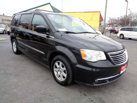 2011 Chrysler Town & Country Touring | Nashville, Tennessee | Auto Mart Used Cars Inc. in Nashville, Tennessee