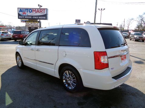 2011 Chrysler Town & Country Limited | Nashville, Tennessee | Auto Mart Used Cars Inc. in Nashville, Tennessee
