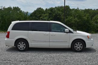 2011 Chrysler Town & Country Touring Naugatuck, Connecticut 5