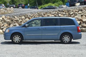2011 Chrysler Town & Country Touring-L Naugatuck, Connecticut 1