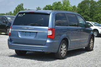 2011 Chrysler Town & Country Touring-L Naugatuck, Connecticut 4