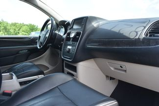2011 Chrysler Town & Country Touring-L Naugatuck, Connecticut 9