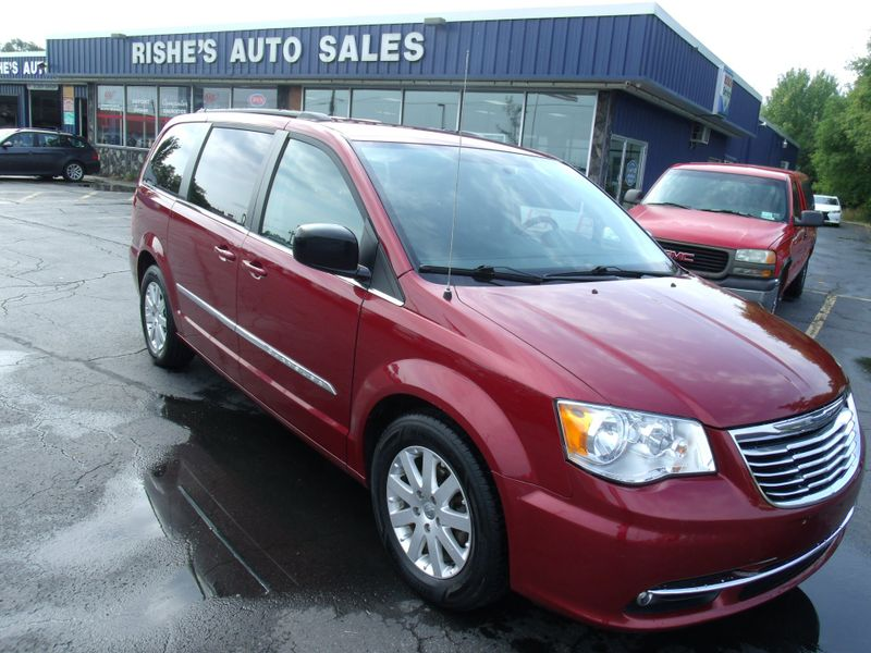 2011 Chrysler Town & Country Touring-L | Rishe's Import Center in Ogdensburg New York