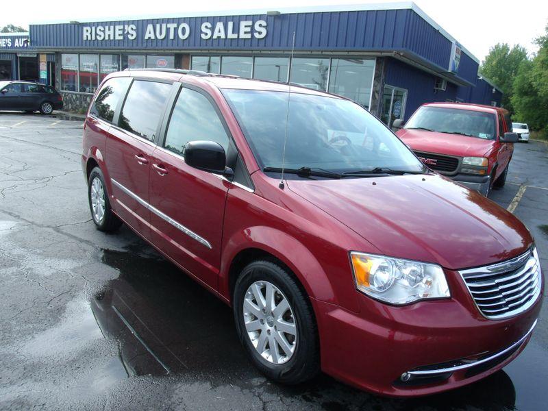 2011 Chrysler Town & Country Touring-L | Rishe's Import Center in Ogdensburg New York