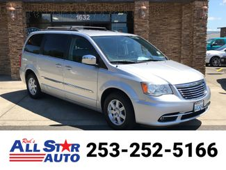 2011 Chrysler Town & Country Touring-L in Puyallup Washington, 98371