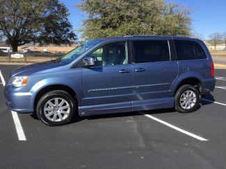 2011 Chrysler Town & Country Handicap Van in Texas, 75482