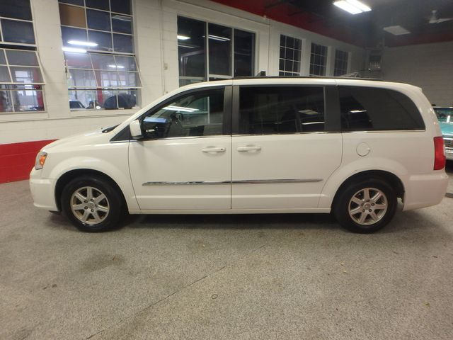 2011 Chrysler Town & Country TOURING, DVD, POWER SLIDERS, MECHANICALLY PERFECT Saint Louis Park, MN 10