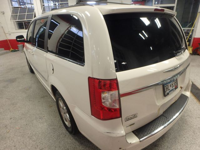 2011 Chrysler Town & Country TOURING, DVD, POWER SLIDERS, MECHANICALLY PERFECT Saint Louis Park, MN 11