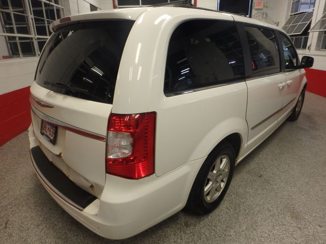 2011 Chrysler Town & Country TOURING, DVD, POWER SLIDERS, MECHANICALLY PERFECT Saint Louis Park, MN 12