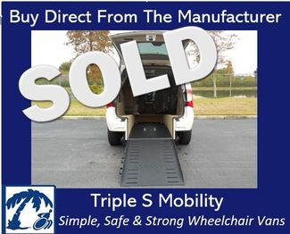 2011 Chrysler Town & Country Touring Wheelchair Van Handicap Ramp Van DEPOSIT Pinellas Park, Florida