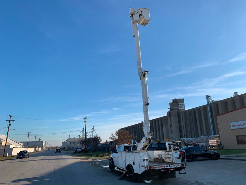 2011 Dodge 5500 4x4 Bucket Truck   city TX  North Texas Equipment  in Fort Worth, TX