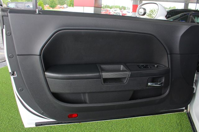 2011 Dodge Challenger R/T Classic - SUPER TRACK PAK - NAVIGATION! Mooresville , NC 37