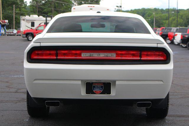 2011 Dodge Challenger R/T Classic - SUPER TRACK PAK - NAVIGATION! Mooresville , NC 17