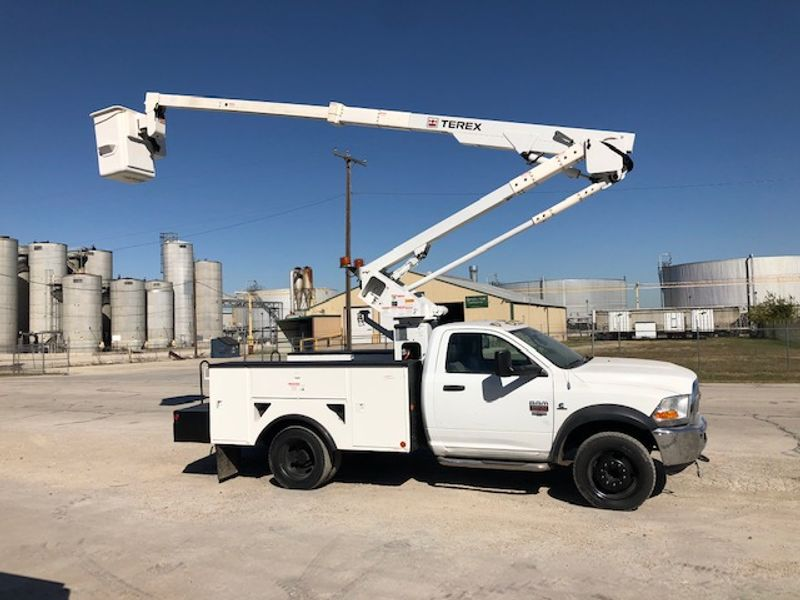 2011 Dodge Ram 5500 Service Truck 45FT Articulating Telescopic and Insulated Boom   city TX  North Texas Equipment  in Fort Worth, TX