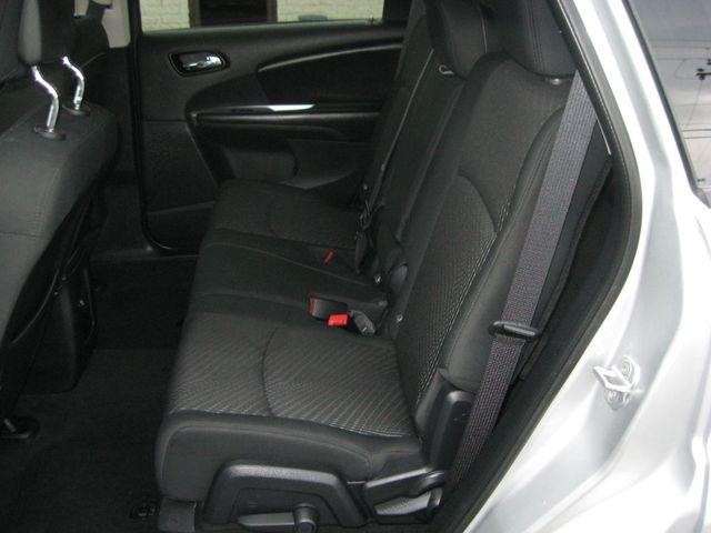 2011 Dodge Journey Mainstreet AWD Richmond, Virginia 12
