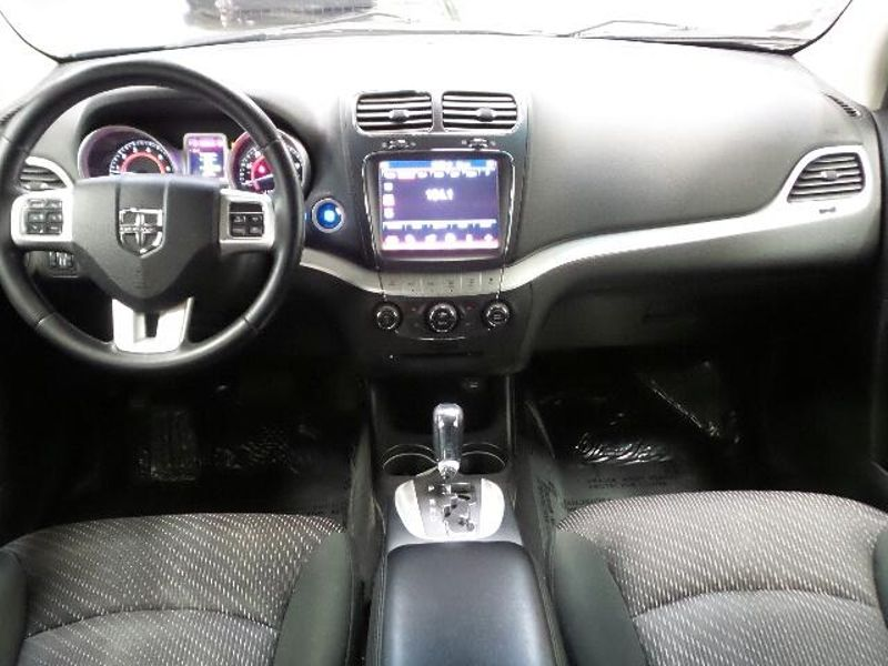 2011 Dodge Journey Crew  in Victoria, MN