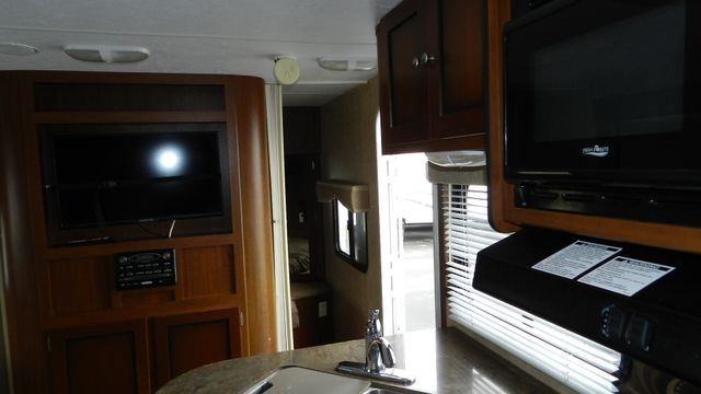 2011 Dutchmen KODIAK 221R Hudson , Florida 9