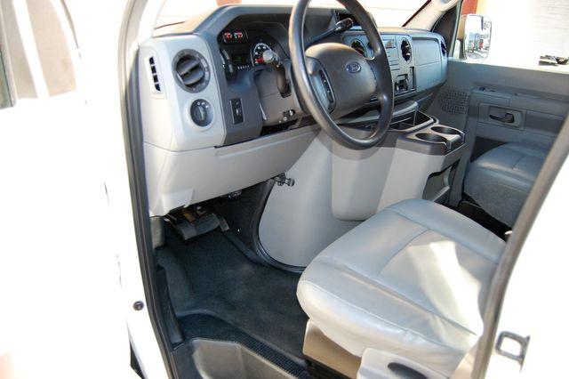 2011 Ford 15 Pass. XL Charlotte, North Carolina 4