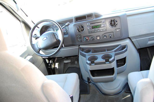2011 Ford 15 Pass. XLT Charlotte, North Carolina 11