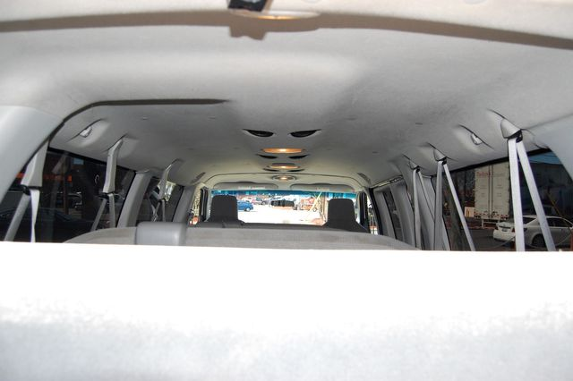 2011 Ford 15 Pass. XLT Charlotte, North Carolina 15