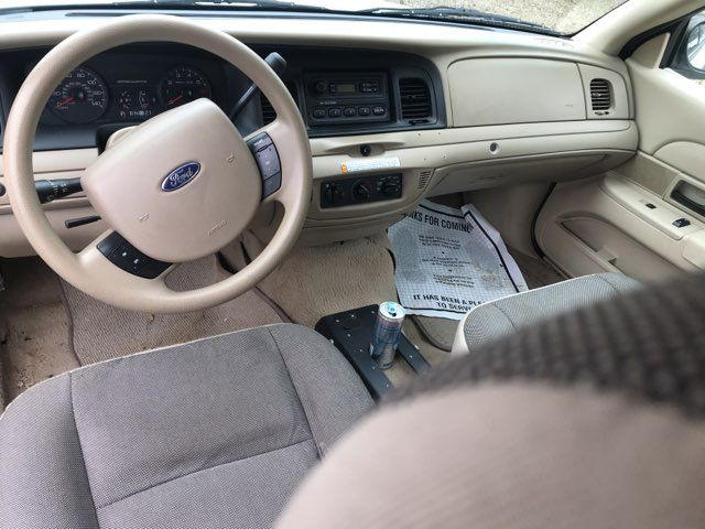 2011 Ford- 2 Owner!! Crown Victoria-BUY HERE PAY HERE! LX-CARMARTSOUTH.COM Knoxville, Tennessee 9