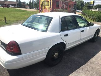 2011 Ford- 2 Owner!! Crown Victoria-BUY HERE PAY HERE! LX-CARMARTSOUTH.COM Knoxville, Tennessee 5