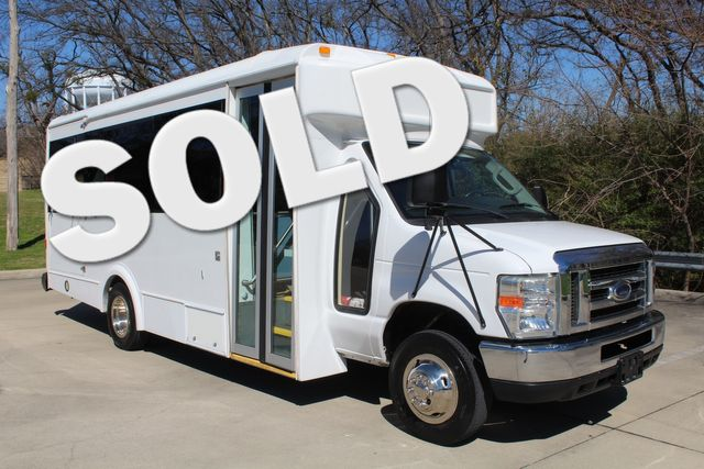 2011 Ford E450 15 Passenger Glaval Shuttle Bus With Wheelchair Lift Irving, Texas 0