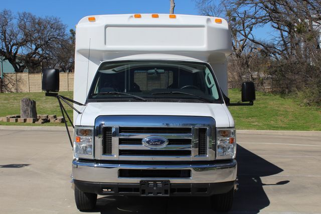 2011 Ford E450 15 Passenger Glaval Shuttle Bus With Wheelchair Lift Irving, Texas 1