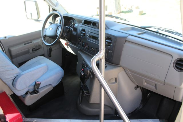 2011 Ford E450 15 Passenger Glaval Shuttle Bus With Wheelchair Lift Irving, Texas 11