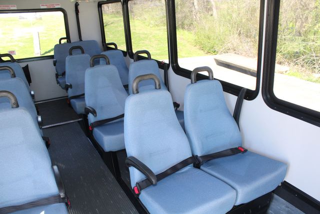 2011 Ford E450 15 Passenger Glaval Shuttle Bus With Wheelchair Lift Irving, Texas 13