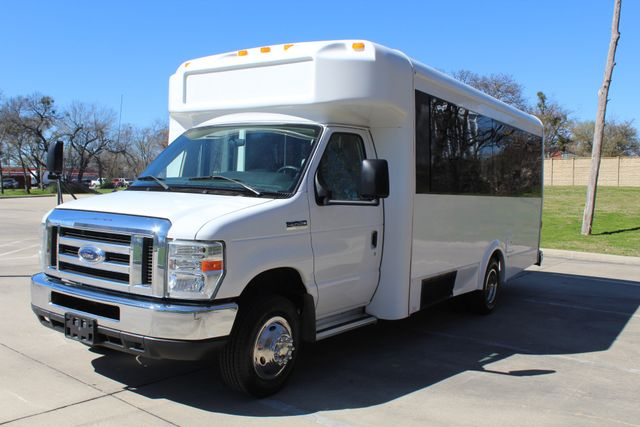 2011 Ford E450 15 Passenger Glaval Shuttle Bus With Wheelchair Lift Irving, Texas 2