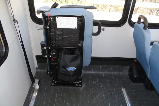 2011 Ford E450 15 Passenger Glaval Shuttle Bus With Wheelchair Lift Irving, Texas 22