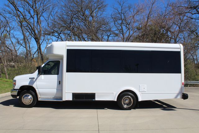 2011 Ford E450 15 Passenger Glaval Shuttle Bus With Wheelchair Lift Irving, Texas 3