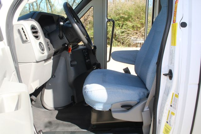 2011 Ford E450 15 Passenger Glaval Shuttle Bus With Wheelchair Lift Irving, Texas 45