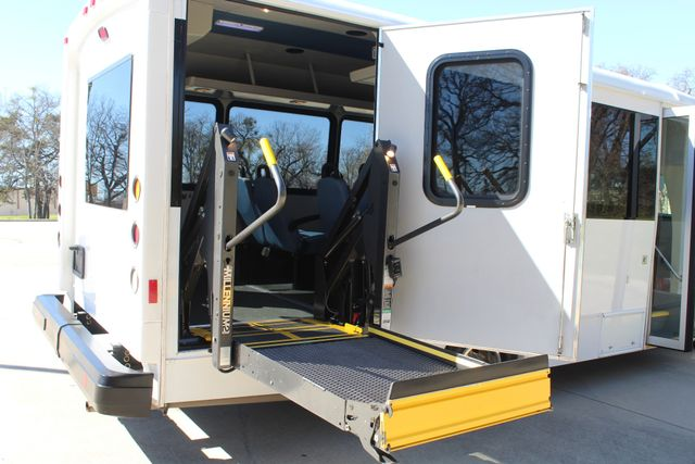 2011 Ford E450 15 Passenger Glaval Shuttle Bus With Wheelchair Lift Irving, Texas 50